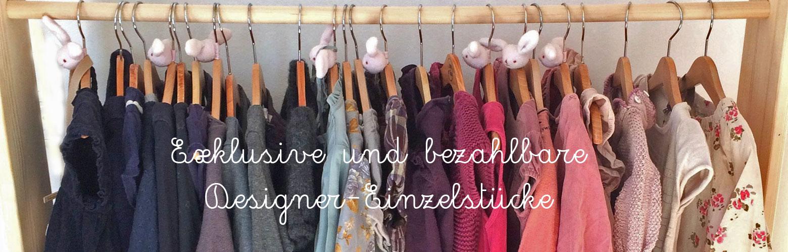 Designer Kindermode auf Kleiderstange